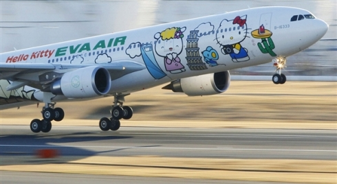 120103-hellokitty-evaairways.photoblog600