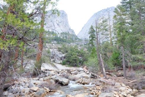 mist-trail-yosemite