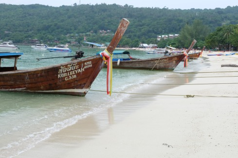 koh phi phi - thailand - longtail boat