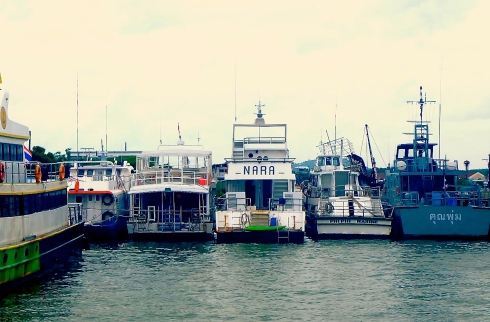 koh phi phi - ferry boats - dock