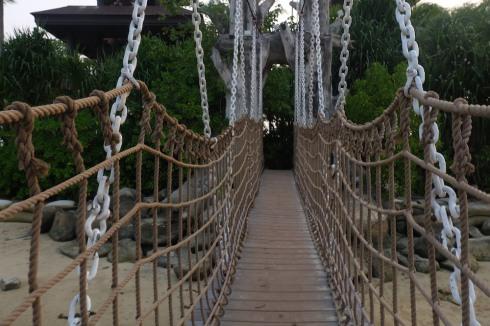 sentosa-island-bridge